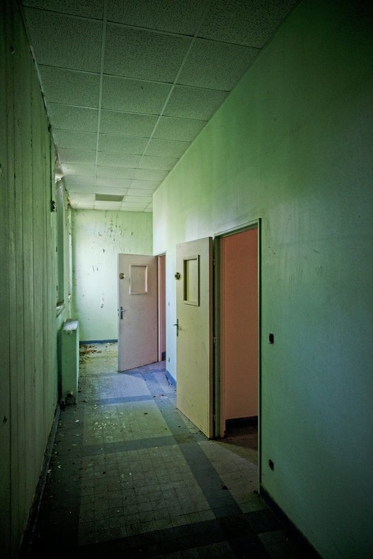 urbex-hospital-hopitaux-nb-photolib-fujiX-photonoxx-14mm_f4.0_DSF6097_lzn.jpg
