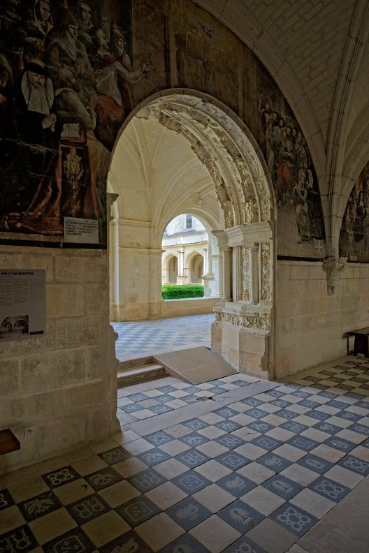 france-abbaye-Fontevraud-Touraine-nb-photolib-FUJIFILM_X-E2-photonoxx-_14mm_f4.0_DSF7055_lzn.jpg