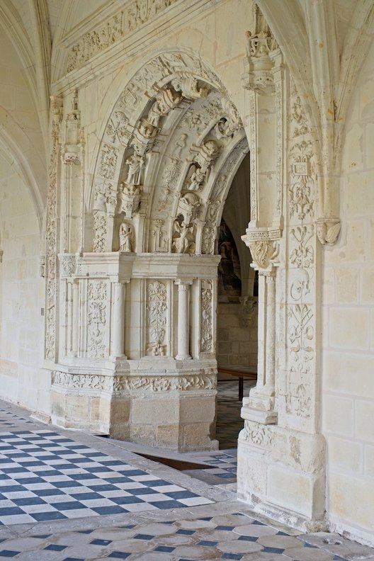 france-abbaye-Fontevraud-Touraine-nb-photolib-FUJIFILM_X-E2-photonoxx-_35mm_f4.0_DSF7042_lzn.jpg